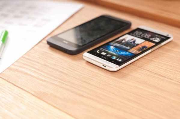 HTC telefony se topí ve ztrátách