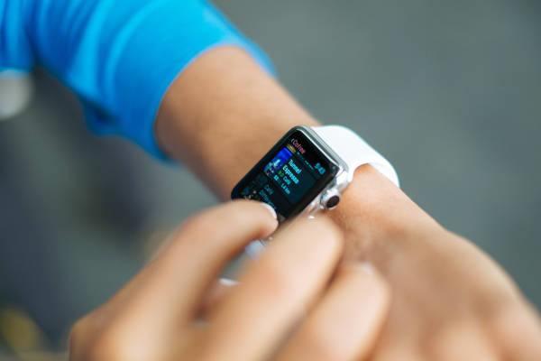 HTC chytré hodinky mají opět zpoždění   novinky