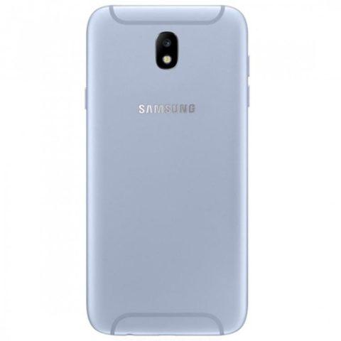 Samsung Galaxy J7 2017 ve stříbrné variantě