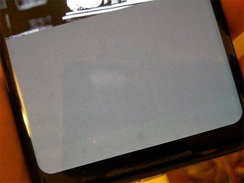 Google Pixel 2 XL problém s propáleným displejem