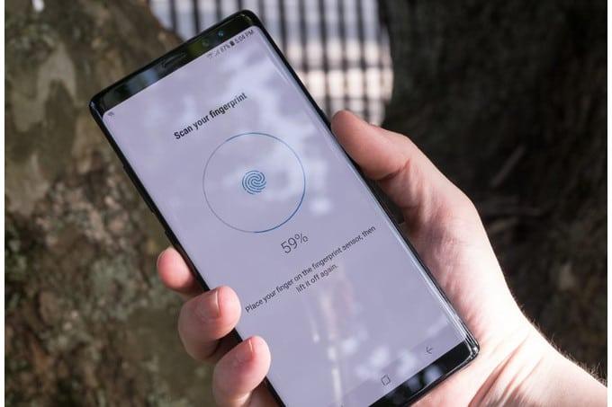 Samsung Galaxy Note 9 i přes to všechno možná bude mít snímač otisků pod displejem   novinky