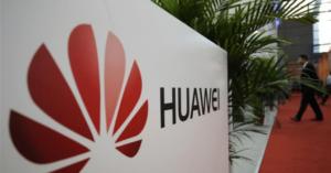 Američané chtějí po ostatních, aby používali Huawei telefony