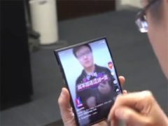 Skládaný telefon od Xiaomi na videu