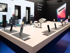 Samsung, Ciso a Orange na MWC 2019 s dronem