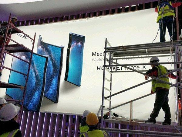Telefon Huawei Mate X na MWC 2019