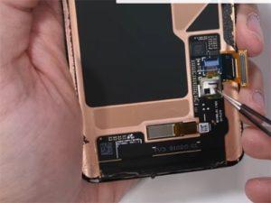 Samsung Galaxy S10 rozebrán