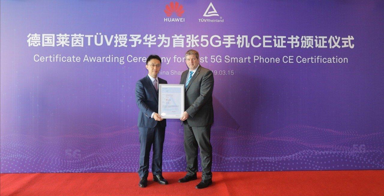 Předání certifikátu společnosti Huawei